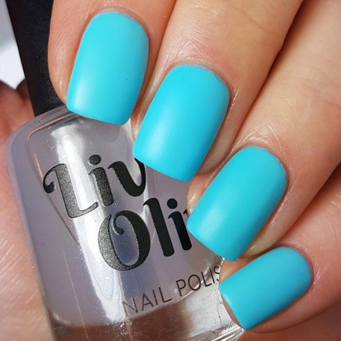 Free Spirit swatch - bright neon turquoise matte top coat